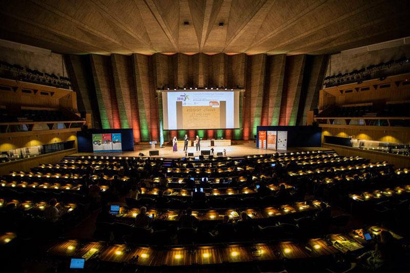 Ovos and Whatchado win at World Summit Award