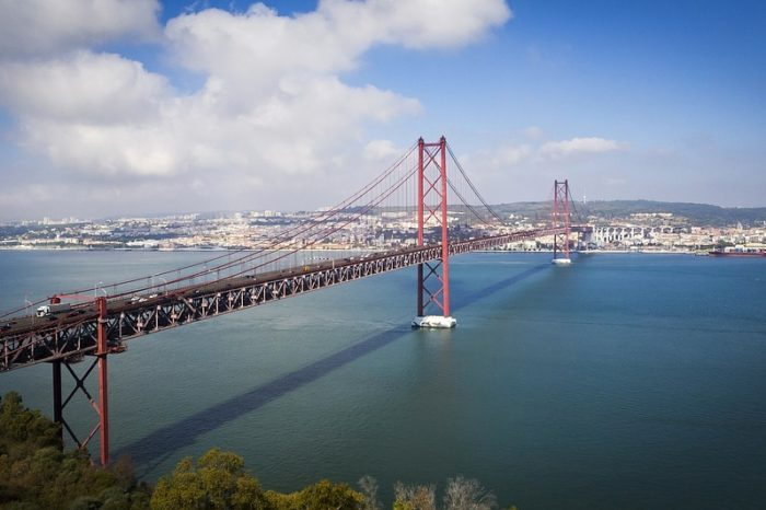 'Portugal Welcomes Amazon Web Services'